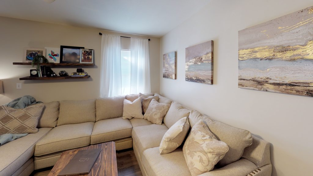 The-Drake-Living-Room (1)